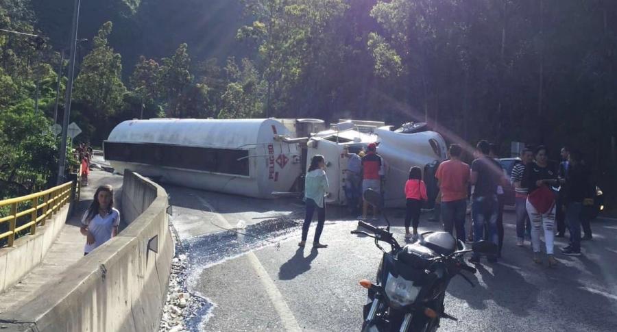 Accidente de tránsito en la vía Villavicencio-Bogotá.