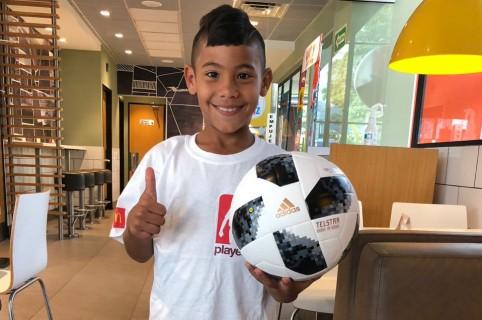Niño que estará en partido inaugural del Mundial