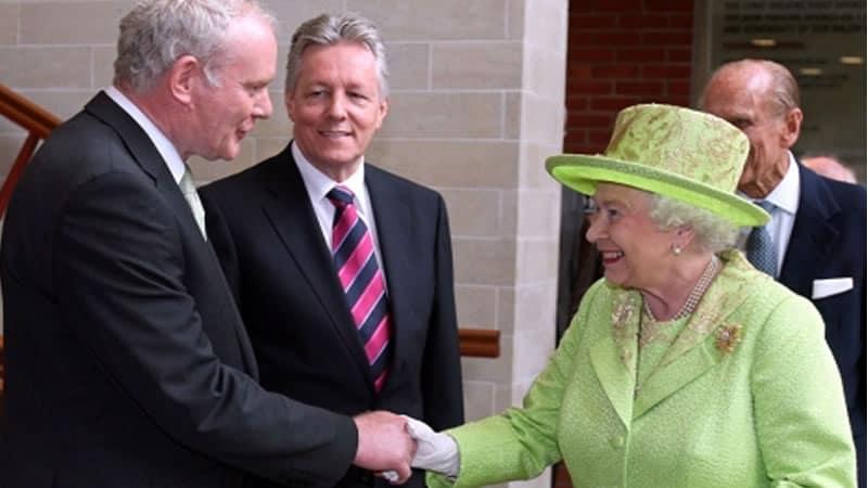 Reina Isabel y Martin McGuinness
