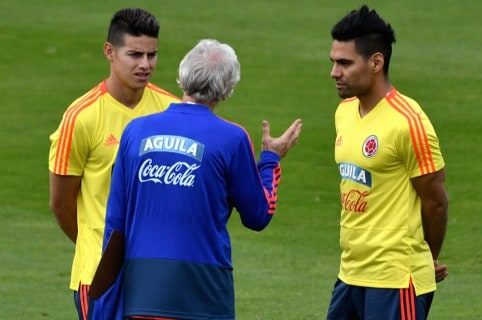 Pékerman, Falca y James