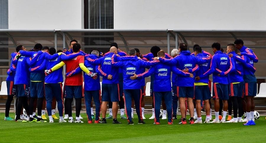 Primer entrenamiento abierto de Colombia en Rusia comenzó con una oración.