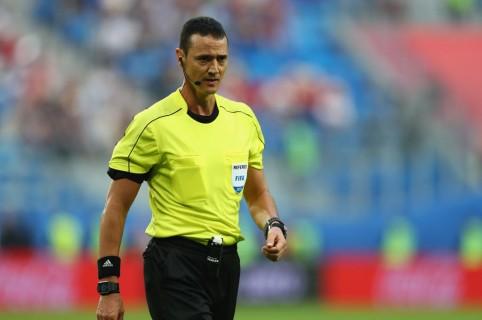 Wilmar Roldán debuta en el Mundial... como cuarto árbitro de ...