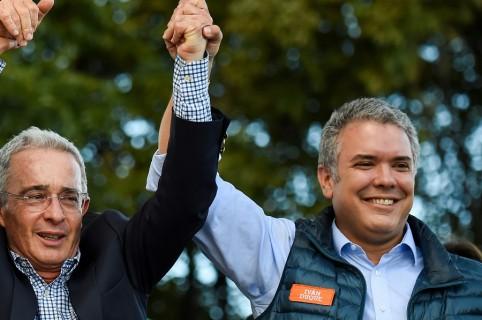 Álvaro Uribe e Iván Duque