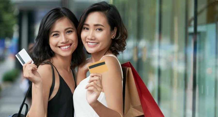 Mujeres con cuenta bancaria