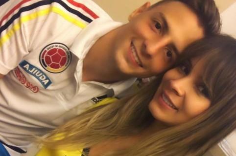 Santiago Arias, futbolista, y su esposa Karin Jiménez, modelo.