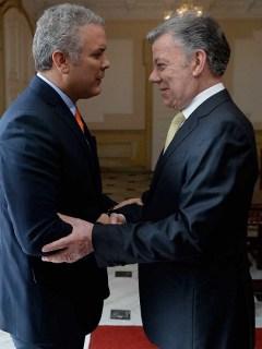 Juan Manuel Santos recibe a Iván Duque