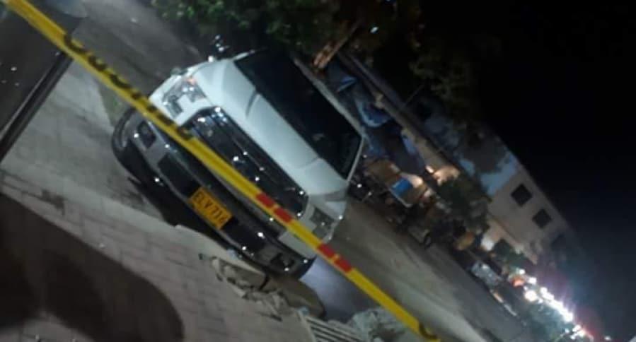 Camioneta que conducía el policía