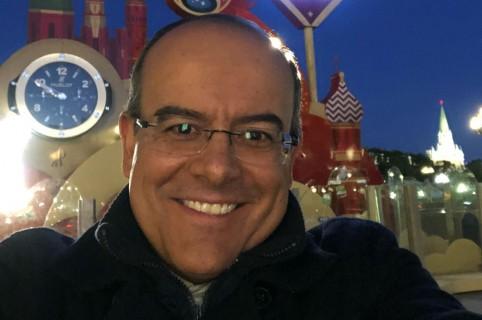 Ricardo Orrego, presentador.