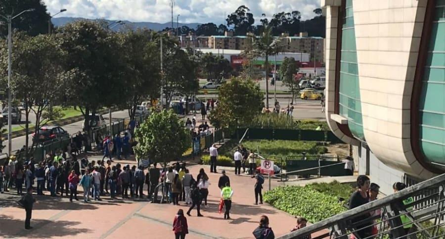 Emergencia en el centro comercial Titán Plaza