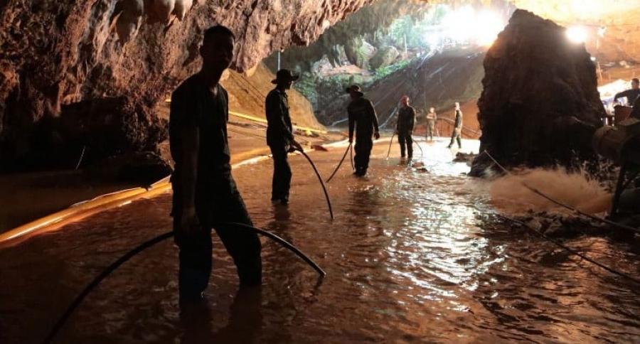 Rescate de 12 niños en cueva de Tailandia.