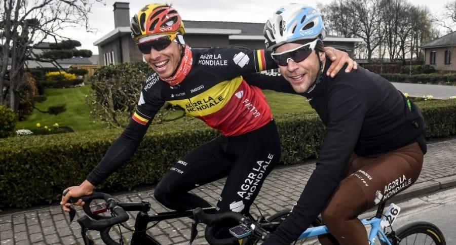 Ciclistas del AG2R La Mondiale: el belga Oliver Naesen y el francés Tony Gallopin