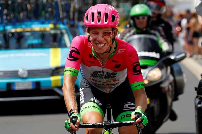 Lawson Craddock luego de su caída en la primera etapa.