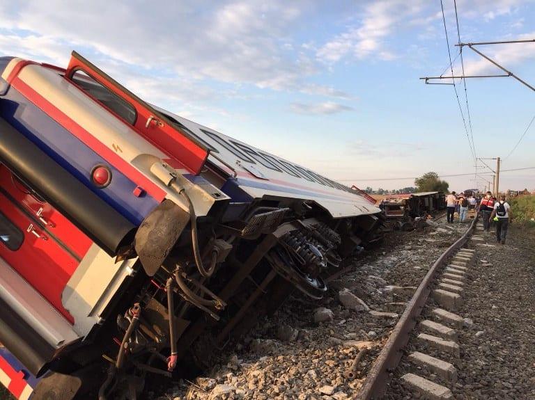 Tren descarrilado en Turquía.