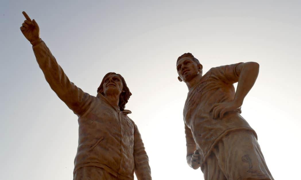 Estatuas de Gareca y Guerrero