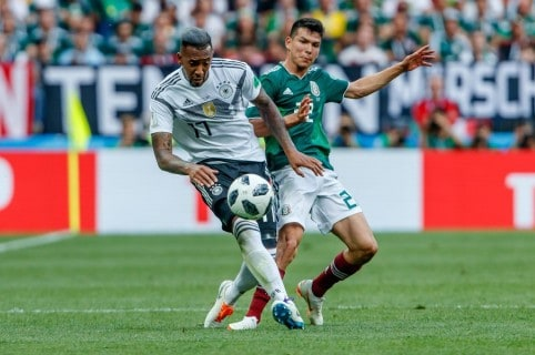 Jerome Boateng e Hirving Lozano