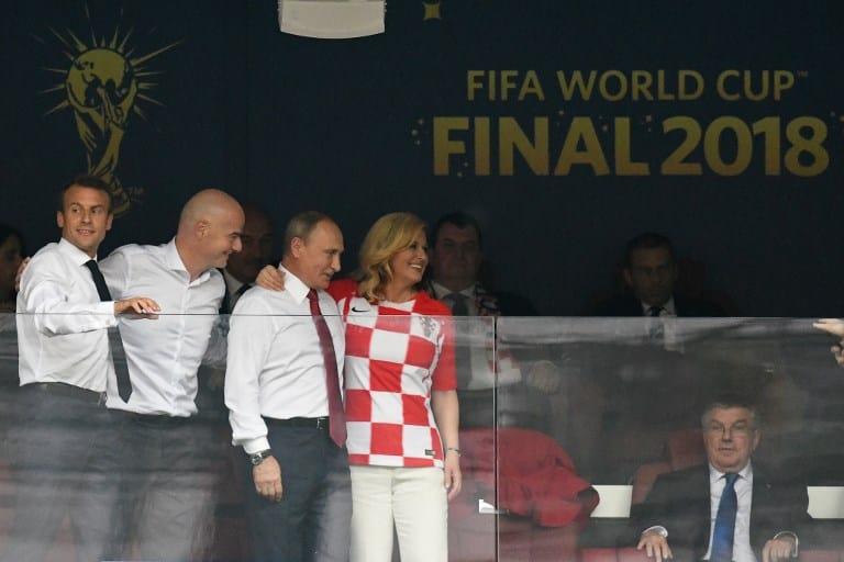 Emmanuel Macron (presidente de Francia), Gianni Infantino (presidente de Fifa), Vladimir Putin (presidente de Rusia) y Kolinda Grabar-Kitarovic (presidenta de Croacia)