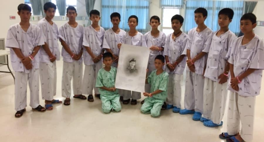 Niños cueva Tailandia