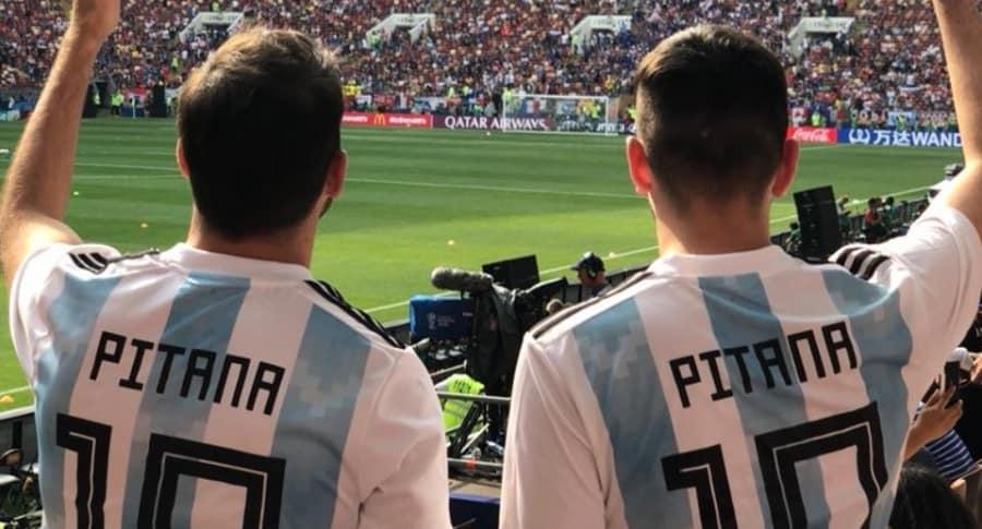 Argentinos apoyando a Pitana