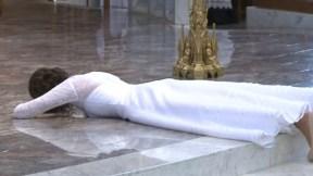 Virgen en rito de consagración