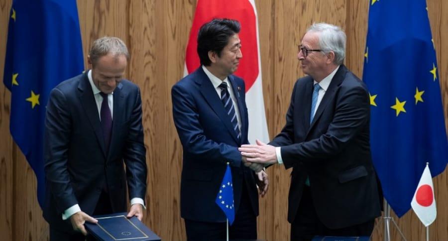 Donald Tusk, Shinzo Abe y Jean-Claude Juncker