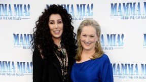 Meryl Streep y Cheer en premier de 'Mamma Mia! Here we go again'