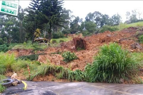 Derrumbe en vía Boyacá-Cundinamarca