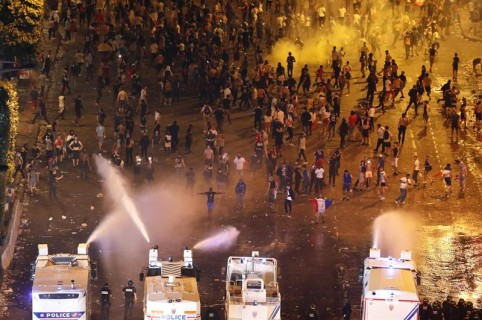 Disturbios en París tras título de Francia en el Mundial