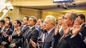 ÁLvaro Uribe y congresistas