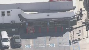 Rehenes en tienda Trader Joe's de Los Ángeles