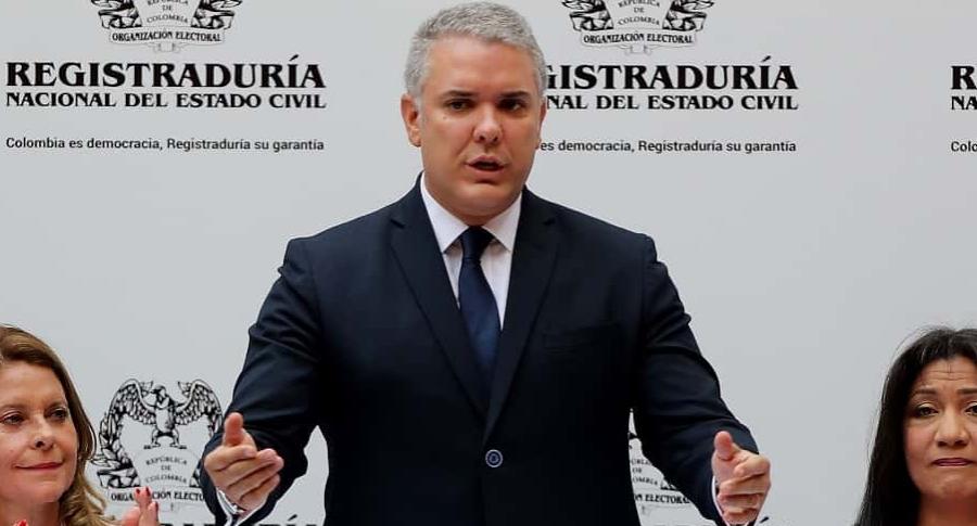 Iván Duque recibe credencial como presidente electo de Colombia