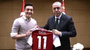 La polémica fotografía de Özil con Tayyip Erdogan