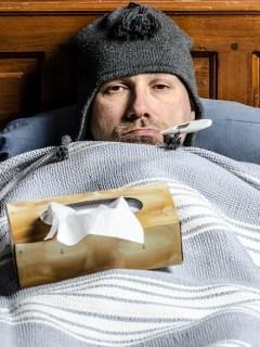 Hombre con gripe