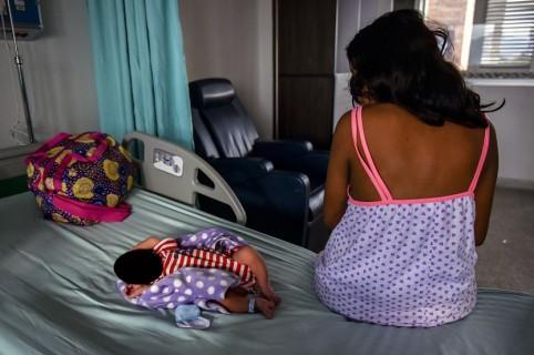 Venezolana de 16 años que dio a luz en Colombia.