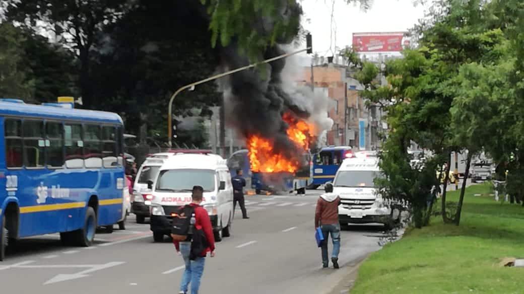 Incendio bus SITP