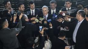 Rueda de prensa convocada por Uribe
