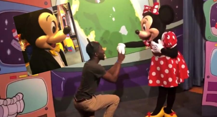 Propuesta de matrimonio a Minnie.