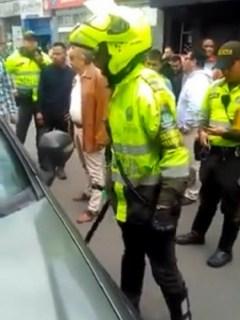 Policía bolillo
