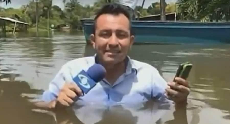 Periodista inundación