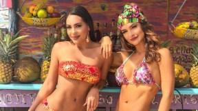 Andrea Valdiri y Kimberly Reyes