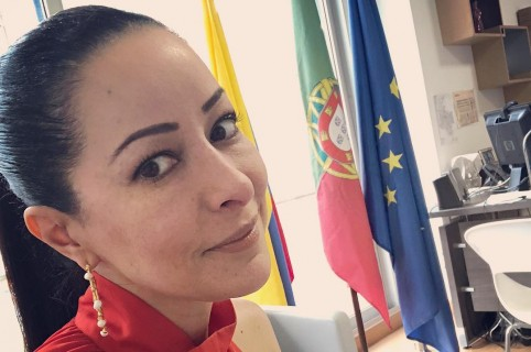 Flavia Dos Santos