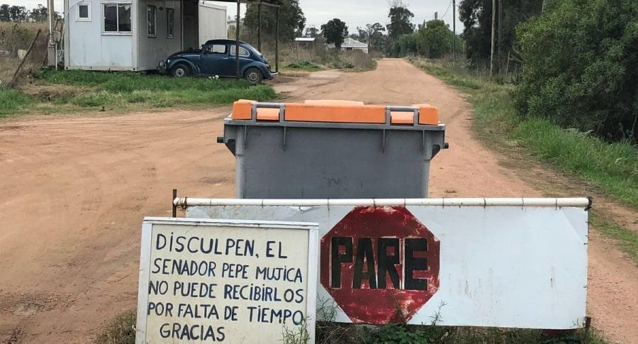 Foto del camino frente a la casa de 'Pepe' Mujica