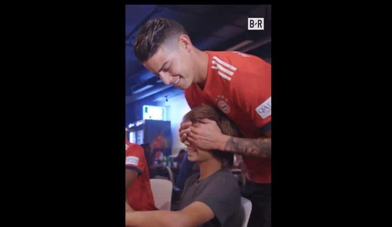 James Rodríguez sorprende a un pequeño fan