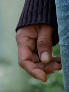 La mano del 'artista'.