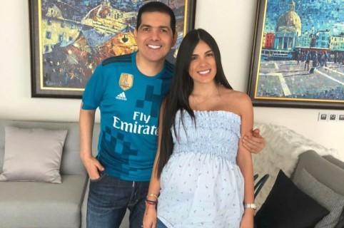 Peter Manjarrés, cantante, con su esposa 'Tata' Becerra.