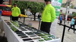 Entrega de celulares en CAI San Victorino