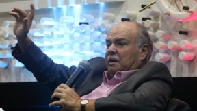 Iván Mejía en conferencia