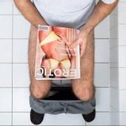 Hombre masturbándose