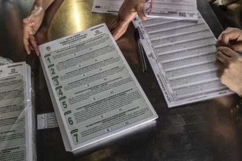 Papelería para la consulta anticorrupción