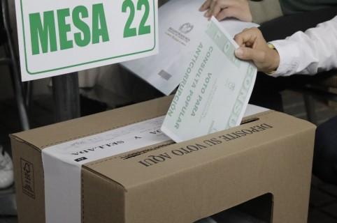 Urnas de consulta anticorrupción