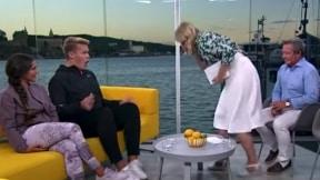 Presentadora vomita en el set.